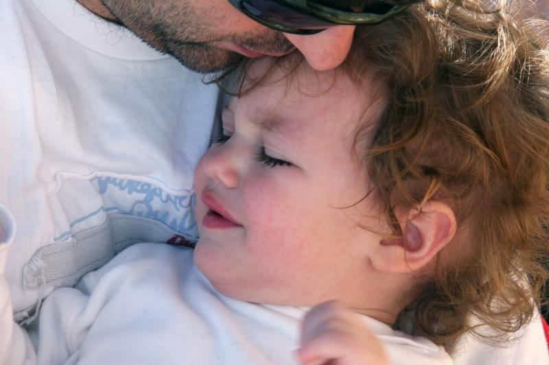 помощь ребенку отец и ребенок